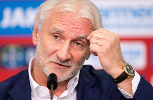 Rudi Völler deutet seinen Rückzug auf Raten an