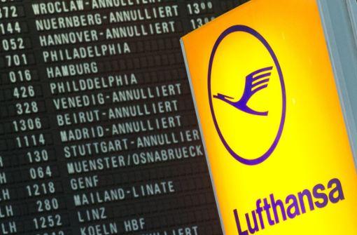 Warnstreik der Flugbegleiter - Flüge im Südwesten gestrichen