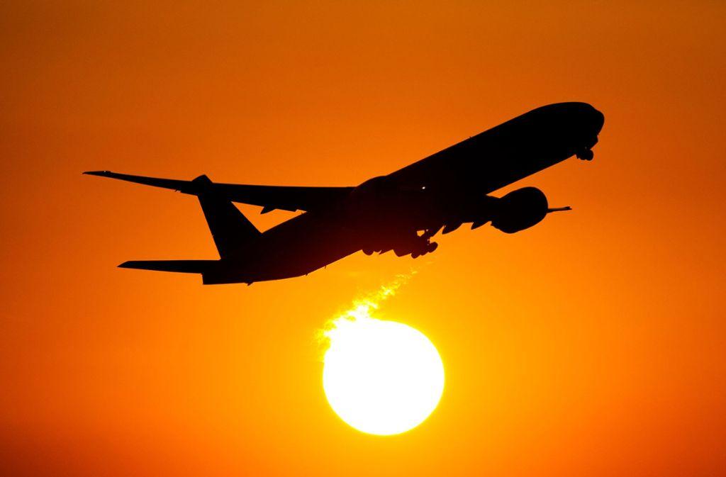 """Bilder von Flugzeugen sind bei der """"avgeekchallenge"""" im Trend. (Symbolbild) Foto: dpa/Daniel Reinhardt"""