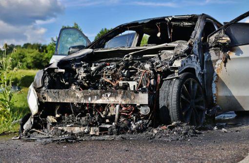 Mercedes brennt auf B29 komplett aus