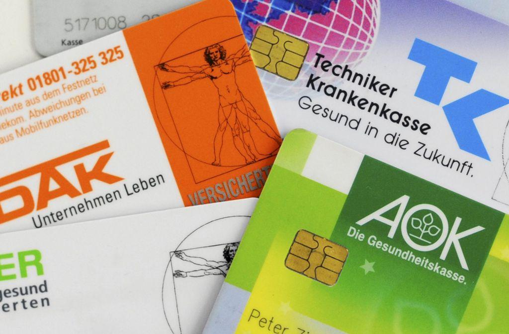 Mehrere gesetzliche und private Krankenkassen wollen eine gemeinsame elektronische Gesundheitsakte starten. (Symbolbild) Foto: dpa