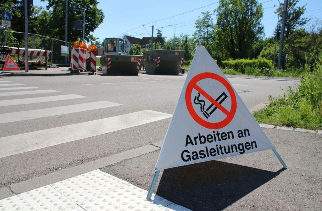 Die Arbeiten an der Gasleitung in Bad Cannstatt könnten bis nächste Woche andauern. Foto: 7aktuell.de/Jens Pusch