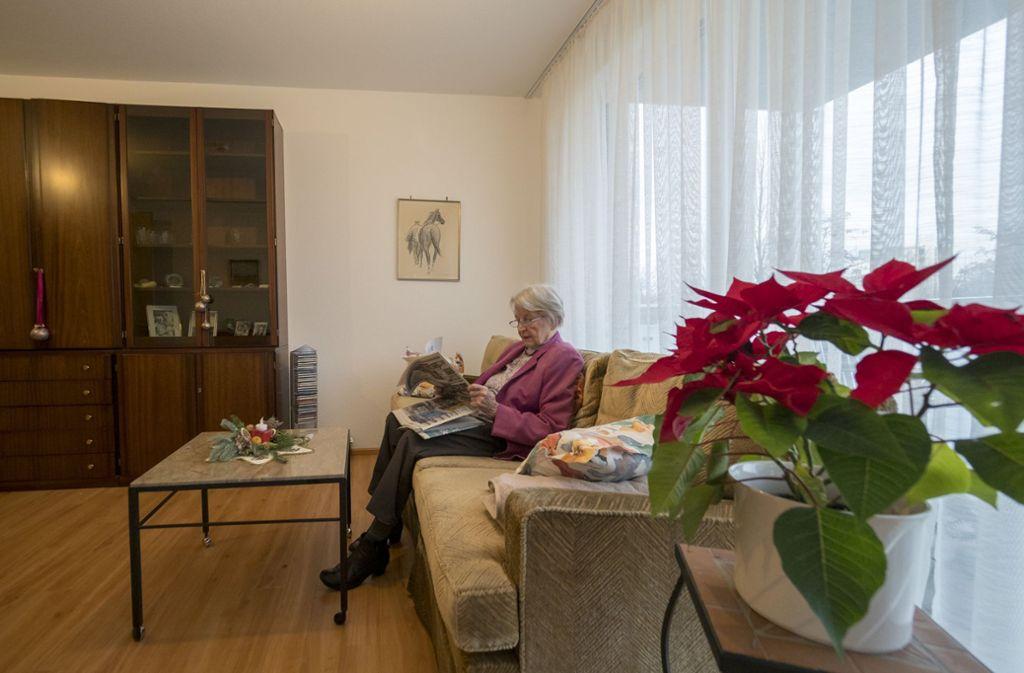 Elisabeth Schüder ist aus ihrem Haus  in ein Appartement umgezogen. Foto: factum/Weise