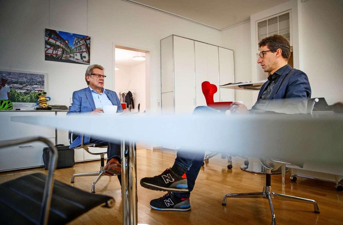 Bodo Skaletz (links) und OB Matthias Klopfer schmerzt der  personelle Fehlgriff. Foto: /Gottfried Stoppel