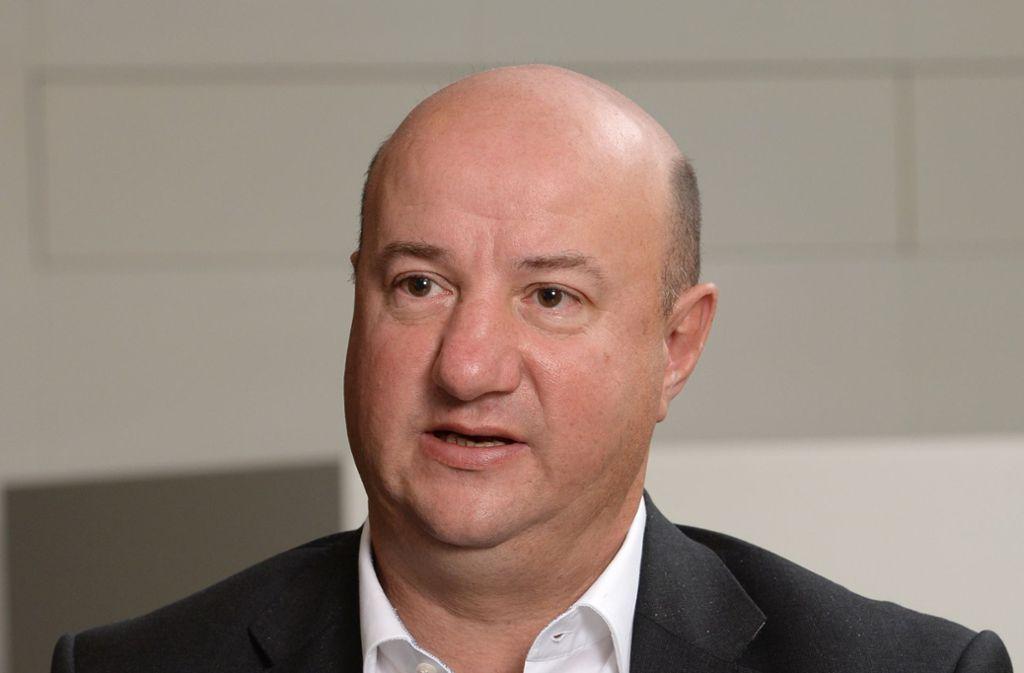Daimler-Betriebsratschef Michael Brecht: Daimler-Mitarbeiter dürfen sich nicht ausgeliefert fühlen. Foto: picture alliance / dpa/Bernd Weissbrod