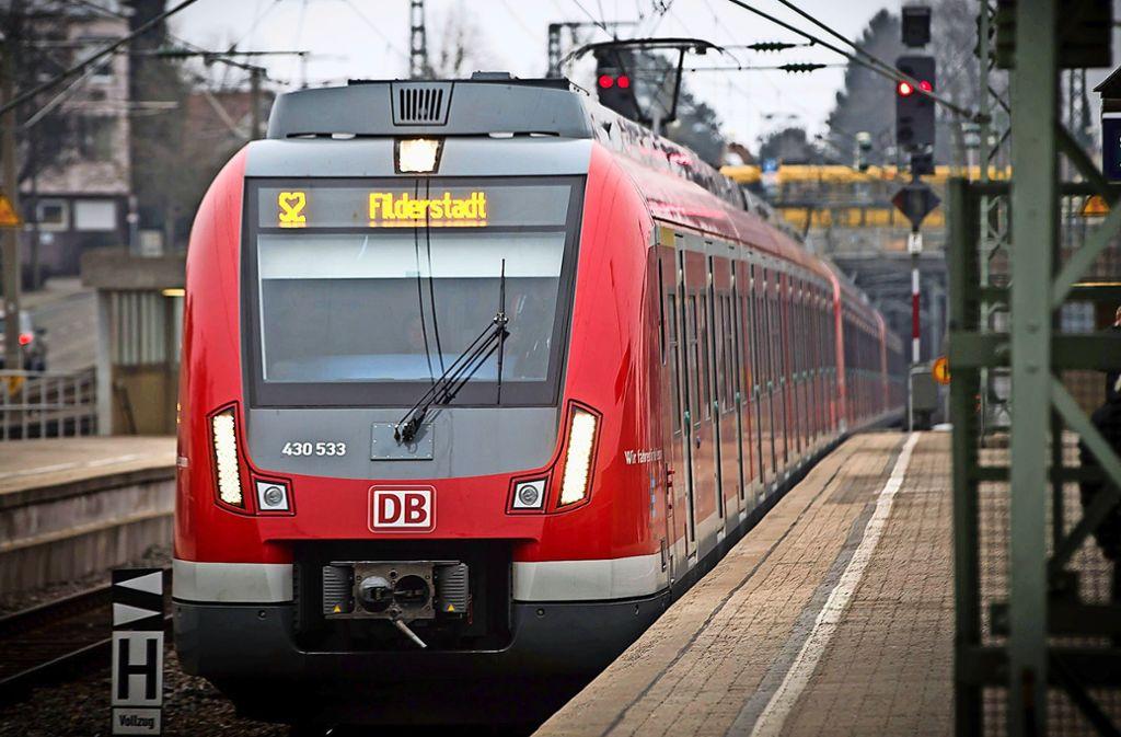 Die S2 war stadtauswärts von Stuttgart nach Filderstadt unterwegs, als das Unglück passierte. Foto: Lichtgut/Achim Zweygarth
