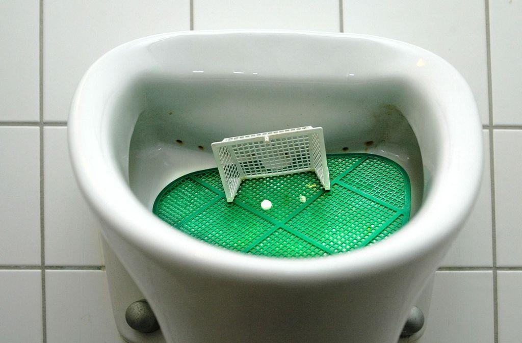 Herrentoiletten dienen eigentlich nur einem einzigen Zweck. Das ändert sich womöglich. Foto: Horst Rudel