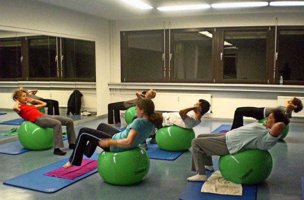 Wer für seinen Körper etwas Gutes tun möchte, für den bietet die Volkshochschule zahlreiche Kurse im Zuffenhäuser Kulturzentrum an. Foto: Vhs Stuttgart