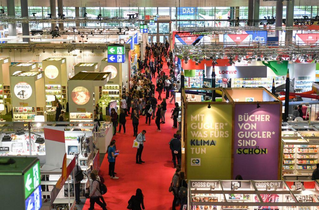 Ein Gedrängel auf den Gängen wie in den vergangenen Jahren soll     auf der Frankfurter Buchmesse 2020 vermieden werden. Foto: dpa/Jens Kalaene