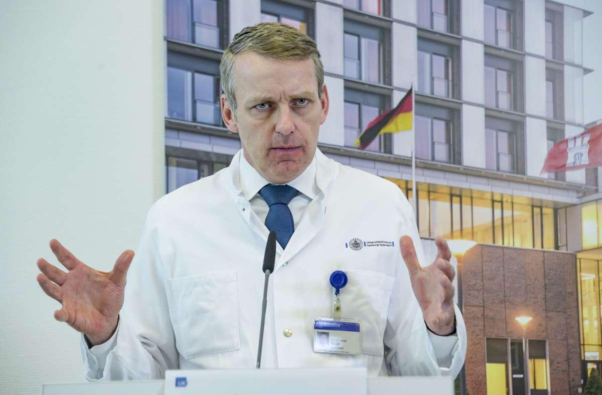 Stefan Kluge ist Leiter der Intensivmedizin am Universitätsklinikum Hamburg-Eppendorf. Foto: dpa/Axel Heimken