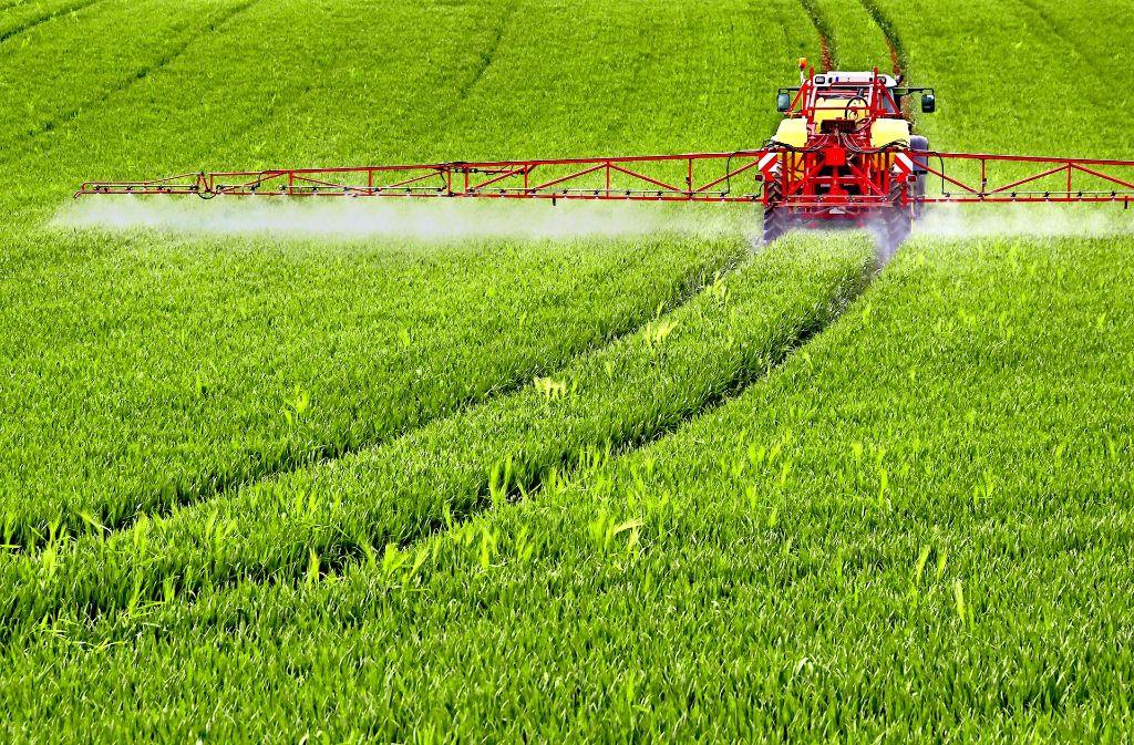 Der Wirkstoff Glyphosat ist ein Allzweck-Unkrautvernichter. Foto: farbkombinat/Adobe Stock
