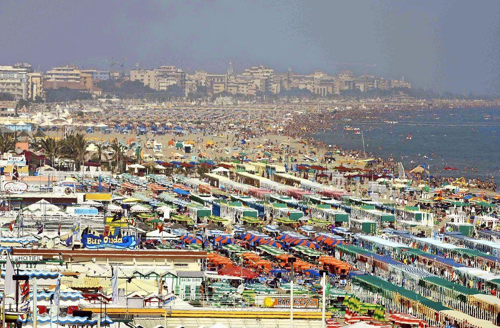 Italiens Küste ist nur noch an wenigen Stellen ein unberührtes Idyll. Foto: dpa