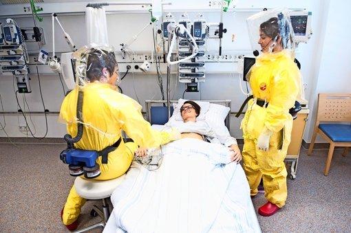 Kliniken rüsten sich für Ebola