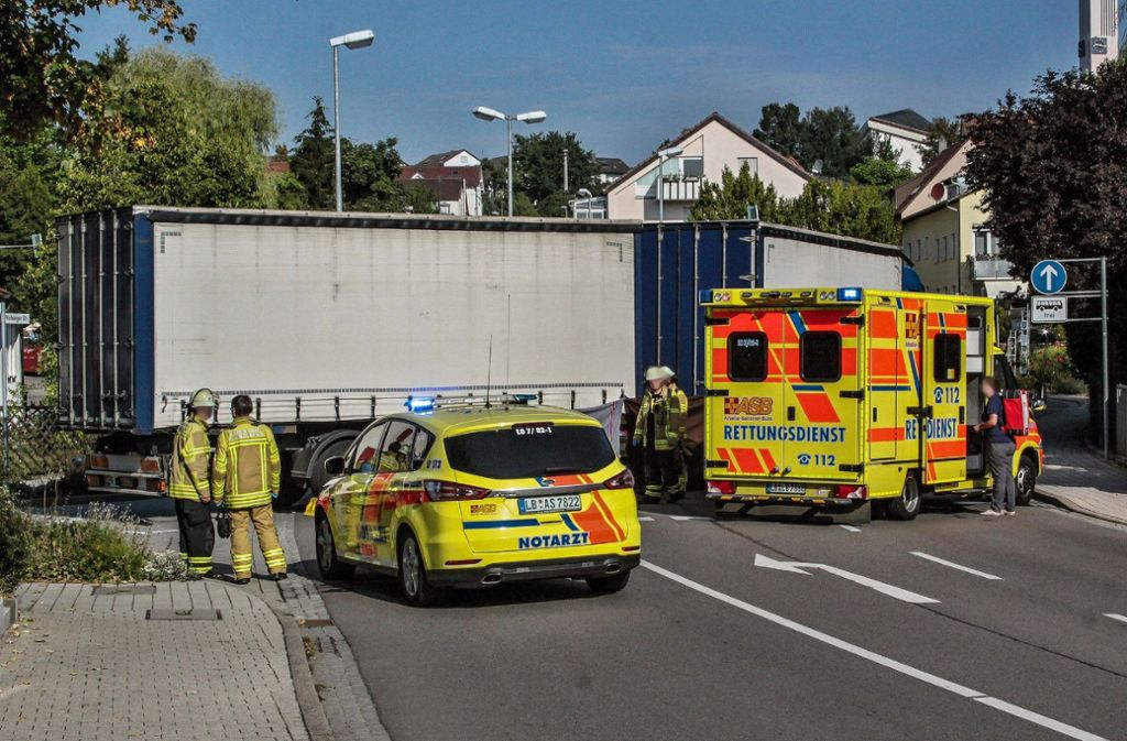 Der Notarzt konnte nichts mehr machen: die Frau verstarb noch an der Unfallstelle. Foto: SDMG