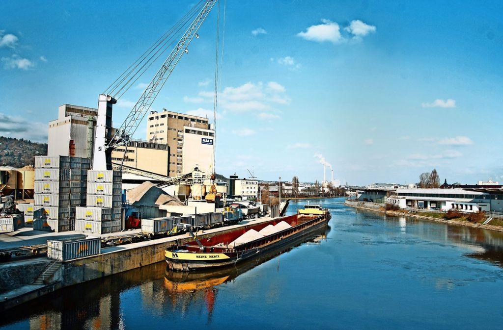 Der Hafen ist die größte Logistikfläche in Stuttgart. Foto: Lichtgut/Kovalenko, Schmidt