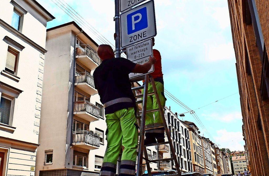 Nach einer Pilotphase wurde das Parkraummanagement im  Stuttgarter Westen im Spätsommer 2014 flächendeckend eingeführt. Foto: Kathrin Wesely