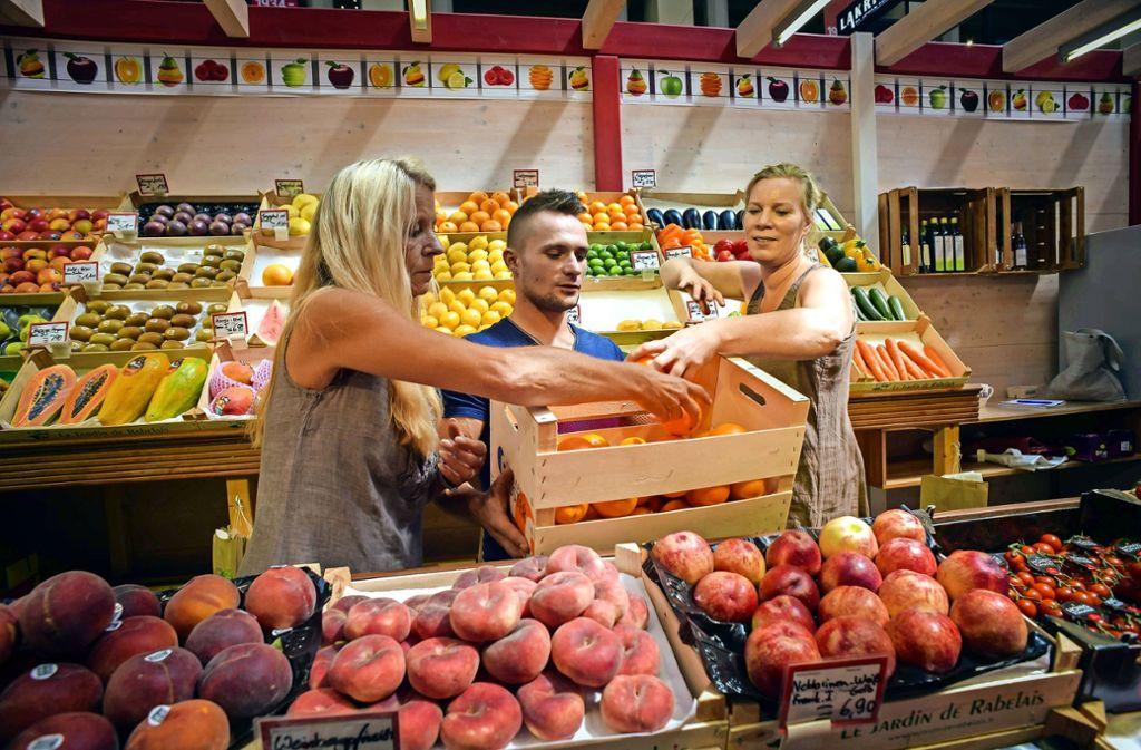 Familie Walker hört in der Markthalle auf:  (v. li.) : Conny Kellner, Dennis Ott und  Sandra Walker. Foto: Lg/MaxKovalenko