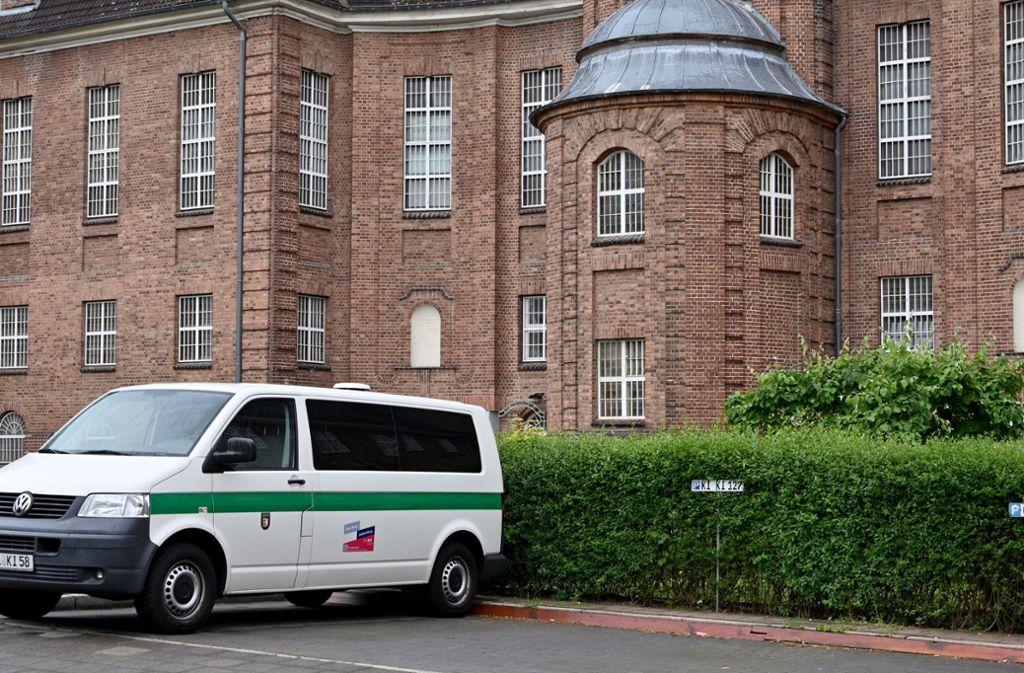 In dieser Justizvollzugsanstalt in Kiel sitzt der Verdächtige derzeit. Foto: dpa/Carsten Rehder