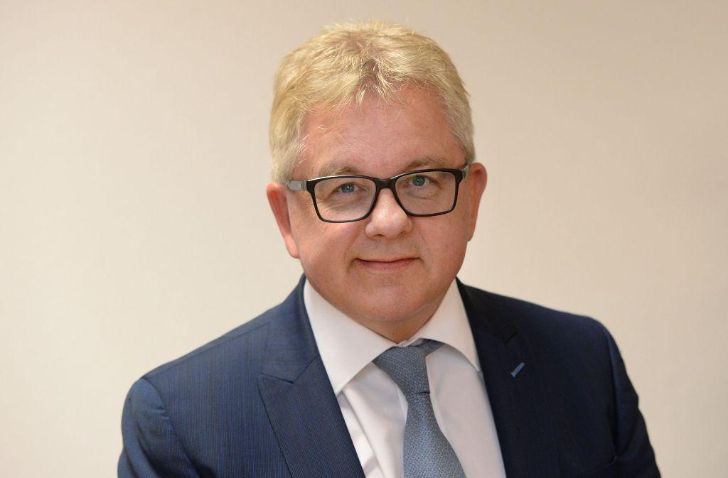 Alle fünf Fraktionen unterstützen ihn: Justizminister Guido Wolf, CDU Foto: dpa