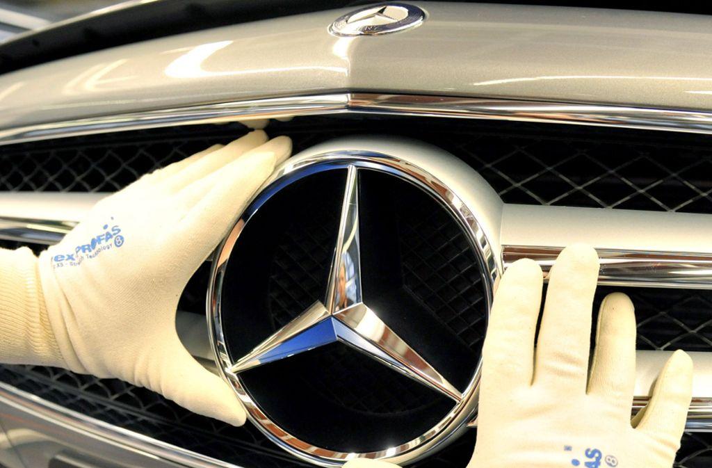Der Stern strahlt und lockt Mitarbeiter: Daimler war 2017 die beliebteste Arbeitgebermarken Deutschlands. 2018 hat ein anderes Unternehmen die Nase vorn. Foto: dpa