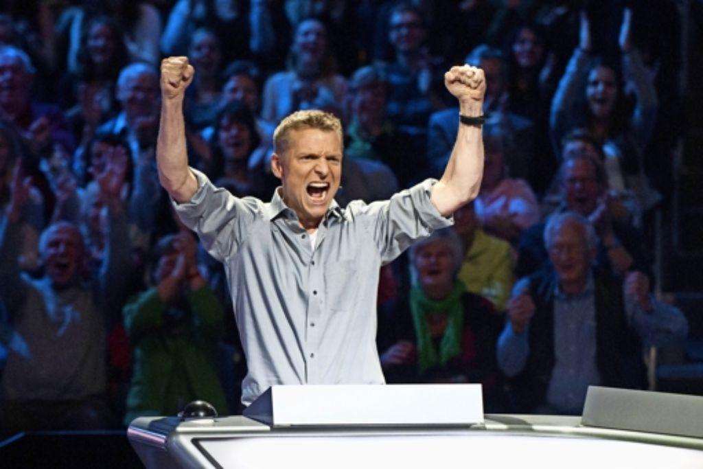 Da war die Freude groß: Der  Lehrer Peter Ziegler setzt sich  in der ZDF-Sendung gegen seine Mitbewerber durch und gewinnt 250000 Euro. Foto: ZDF/Max Kohr