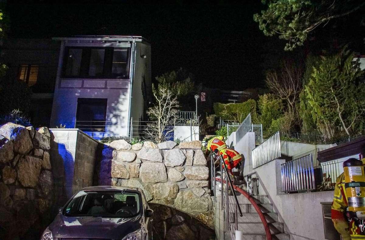 Am Sonntagabend meldeten mehrere Anrufer einen Brand in Leonberg.  Foto: SDMG