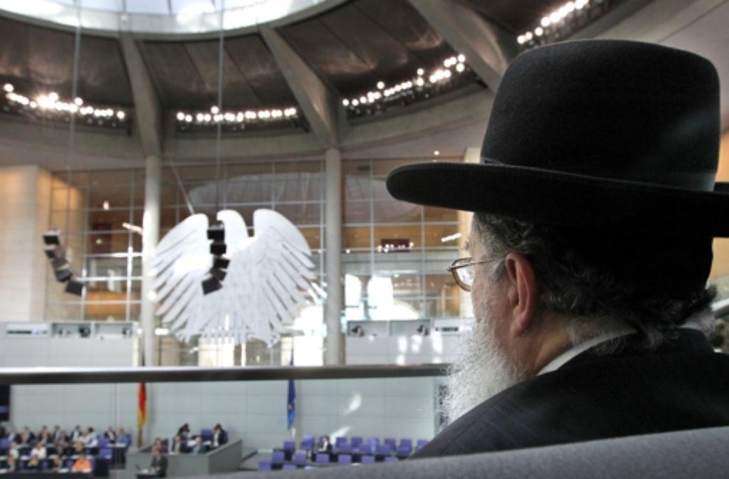 Wie soll der deutsche Gesetzgeber mit dem Thema Beschneidung umgehen? Darüber gibt es derzeit viele Diskussionen. Foto: dpa