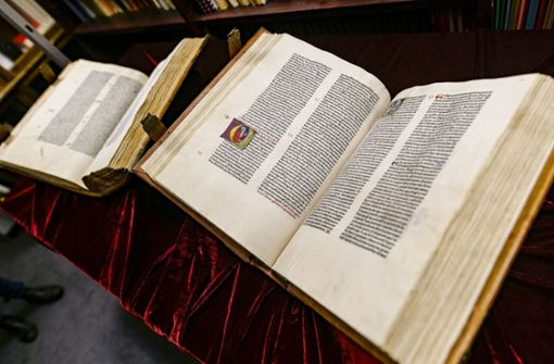 557 Jahre alte Bibel für eine Million Euro versteigert