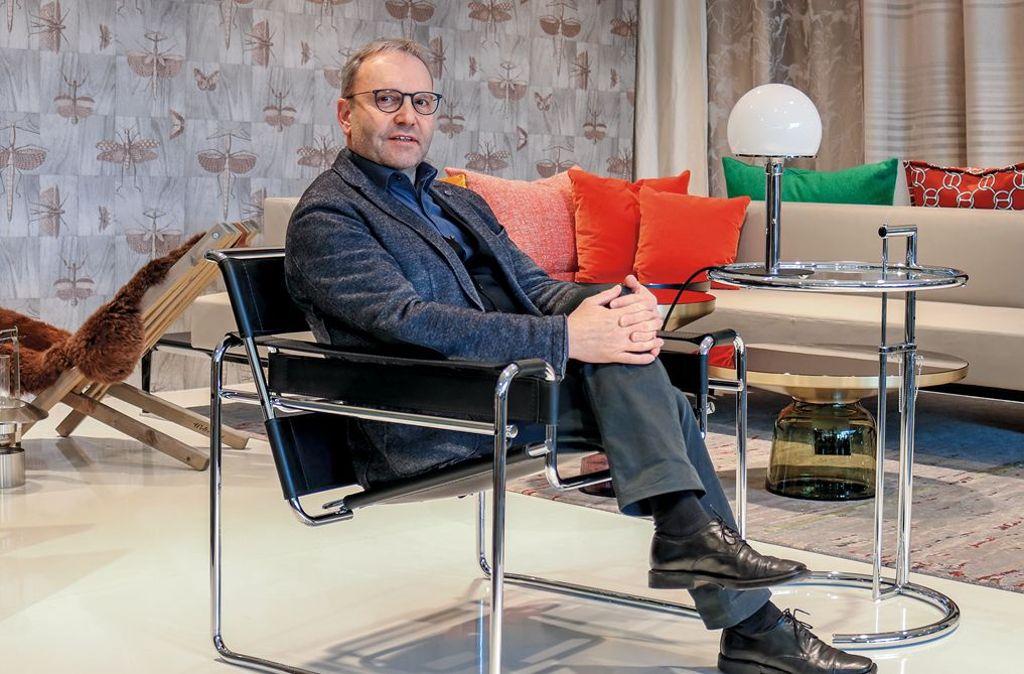 Peter Hauber (Foto) ist Experte in Sachen Möbel und Möbelklassiker. Sein Wissen hat sich der Einrichtungsspezialist im Laufe vieler Messen, Gespräche und Besuche bei namhaften Herstellern angeeignet. Foto: Andreas Hofstätter