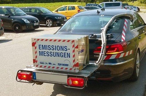 Was beim Diesel hinten rauskommt, sorgt nicht erst seit der VW-Affäre für Diskussionen. Das Bild zeigt ein mobiles Messgerät für Abgasemissionen. Foto: TÜV Nord