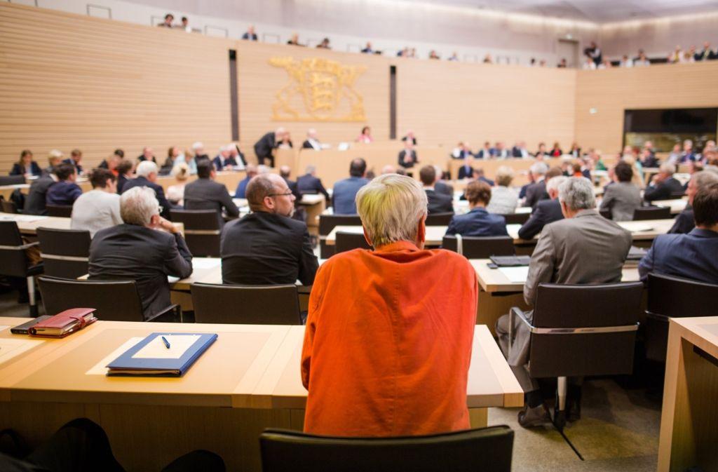 Über die Antisemitismus-Vorwürfe an den Abgeordneten Wolfgang Gedeon (Mitte) hat sich die AfD-Fraktion im Landtag zerstritten. Foto: dpa