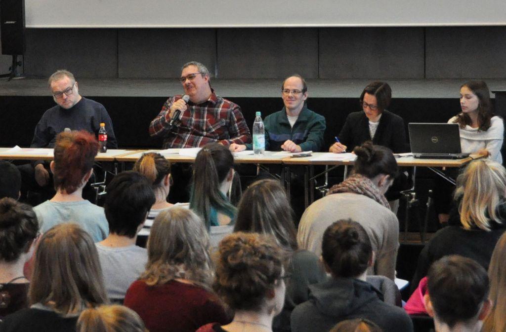 Die Bildungsfachkräfte schulen Lehramtsstudenten der PH Heidelberg zum Thema Inklusion. Foto: Johannes-Diakonie