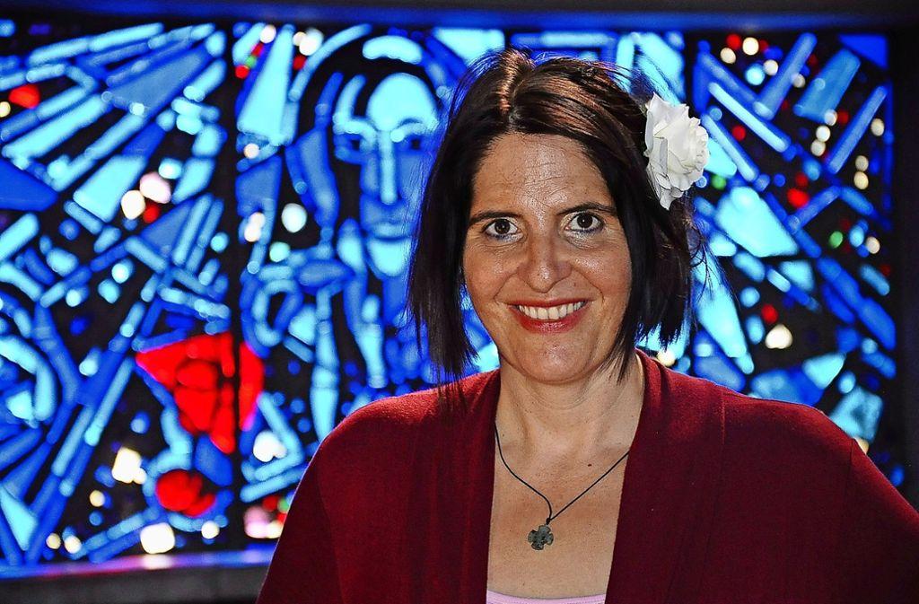 Neue Pfarrerin, neuer Schwung: Sabine Löw will spirituelle Impulse setzen Foto: Linsenmann