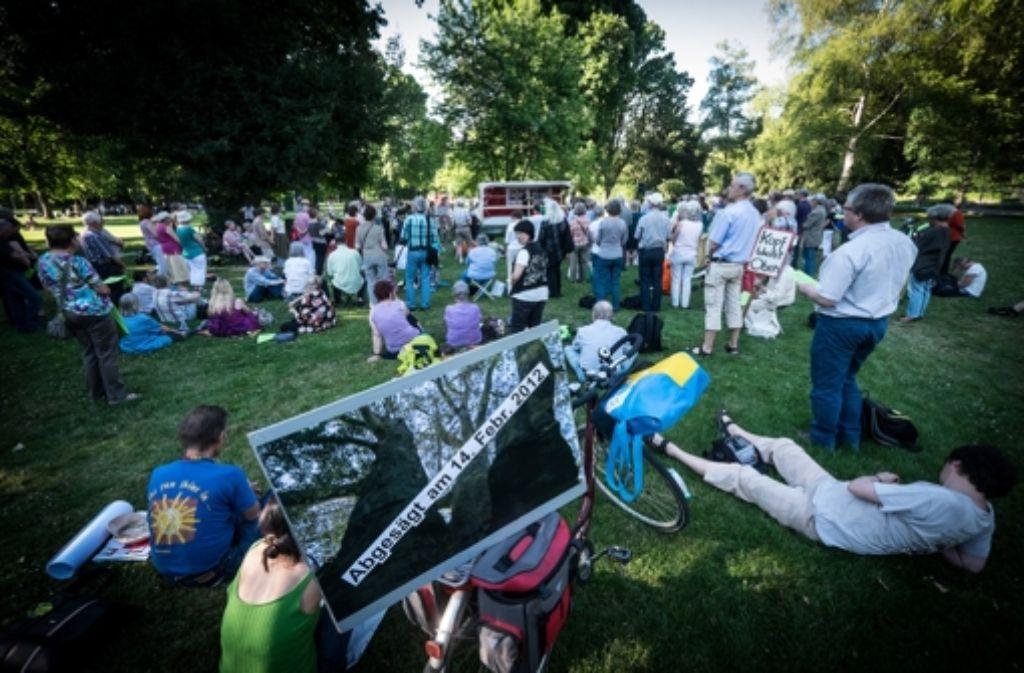 Eine Veranstaltung von mehreren der S21-Gegner, das Parkgebet im Schlossgarten. Foto: Lichtgut/Achim Zweygarth