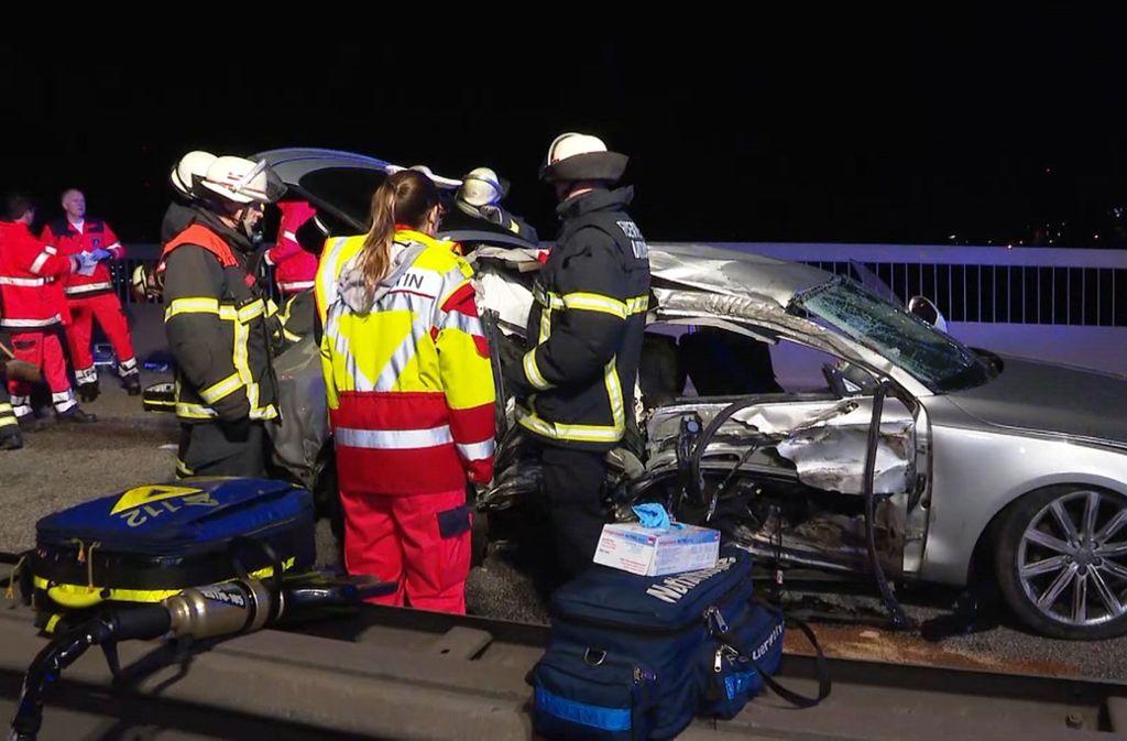 Für einen 24-Jährigen kam bei dem illegalen Rennen in Hamburg jede Hilfe zu spät. Foto: TeleNewsNetwork