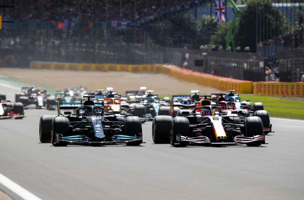 Max Verstappen ist nach einer Runde in Silverstone ausgeschieden. Foto: imago images/Motorsport Images/Steven Tee via www.imago-images.de