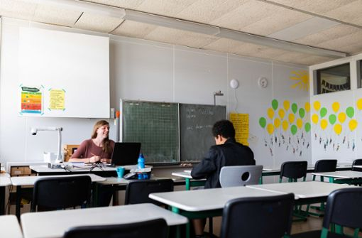 Soziale Träger helfen in den Schulen aus