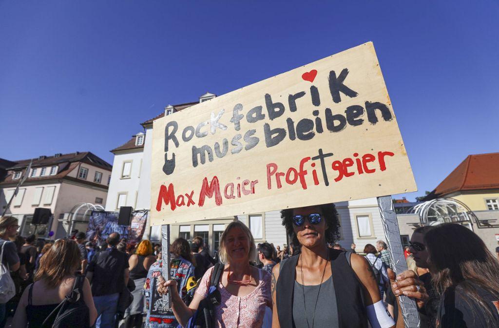 Rund 2000 Menschen haben am vergangenen Wochenende in Ludwigsburg für die Rettung der Rofa demonstriert Foto: factum/Simon Granville