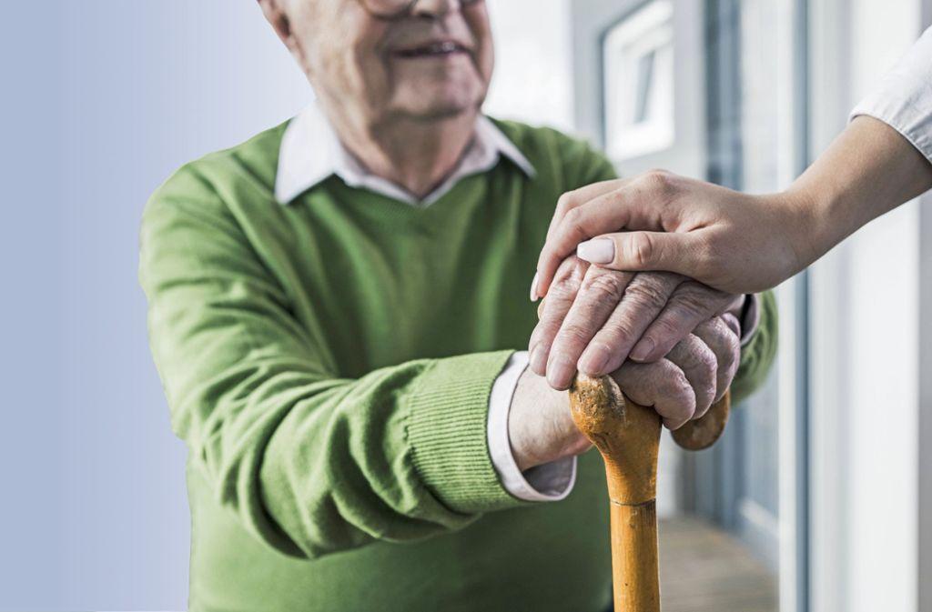 Was passiert im Körper, wenn wir älter werden? Damit befasst sich die Alternsforschung. Foto: imago stock&people
