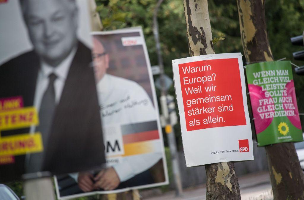 Was wollen die Parteien uns mit ihren Wahlplakaten mitteilen? Ein Experte analysiert Design und Slogans. Foto: dpa
