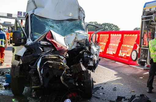 Autobahn nach tödlichem Unfall wieder freigegeben