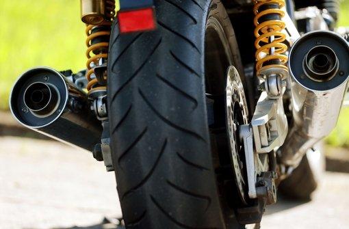 Mototrradfahrer stirbt bei Unfall