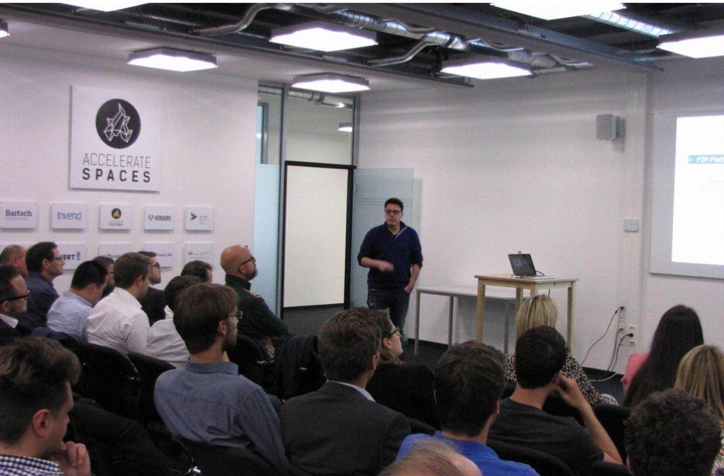 Beim Fintech Meetup in Stuttgart trafen sich Interessierte aus dem Versicherungs- und Finanzsektor. Foto: David Werner