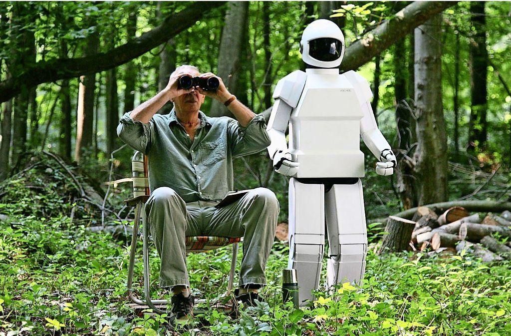 """Frank und sein """"Komplize"""" Robot kundschaften die Gegend aus. Im Oktober läuft der Spielfilm """"Robot & Frank"""" im PMGZ. Foto: Verleih"""