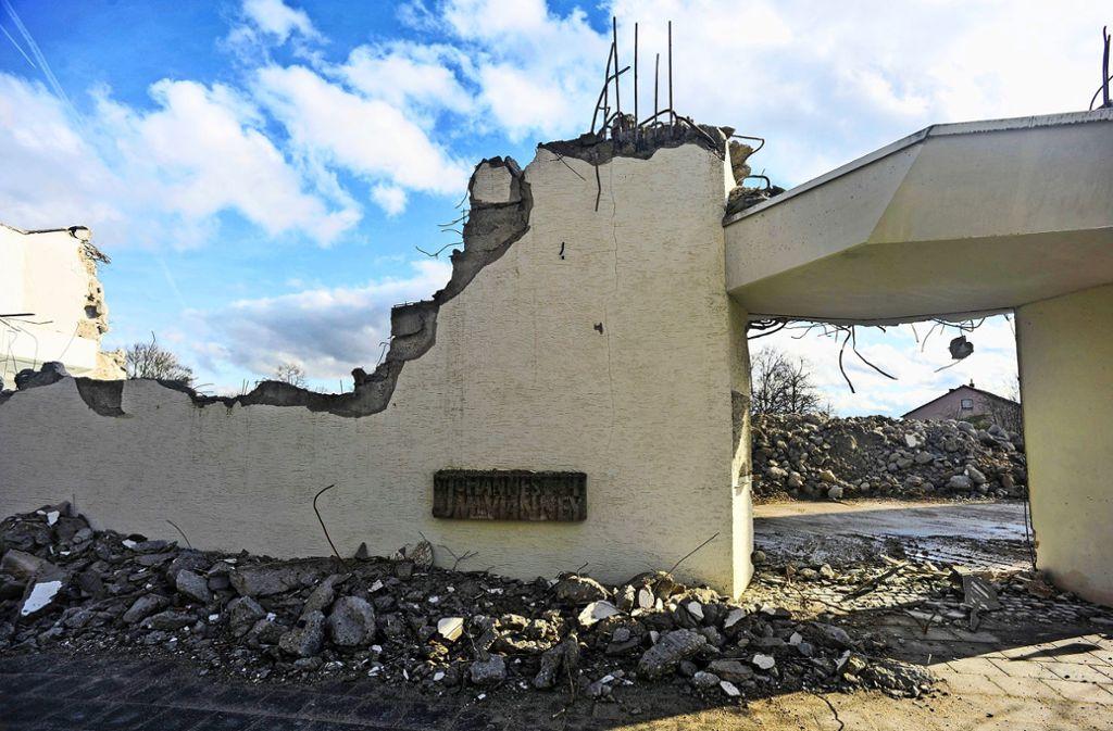 Die Kirche St. Vianney in Mönchfeld wird seit Januar abgerissen.  Die Arbeiten laufen nach Plan. Foto: Lichtgut/Max Kovalenko