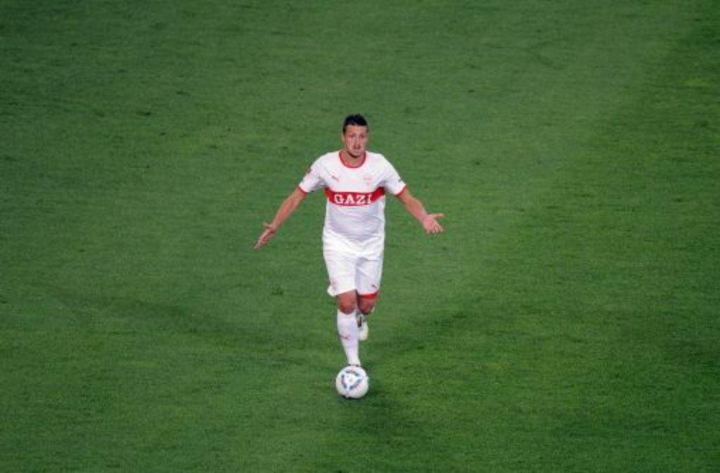 Der Mittelfeldspieler Zdravko Kuzmanovic weiß nicht so recht, wohin der Ball beim VfB Stuttgart in den nächsten Wochen und Monaten rollen soll.  Foto: Pressefoto Baumann