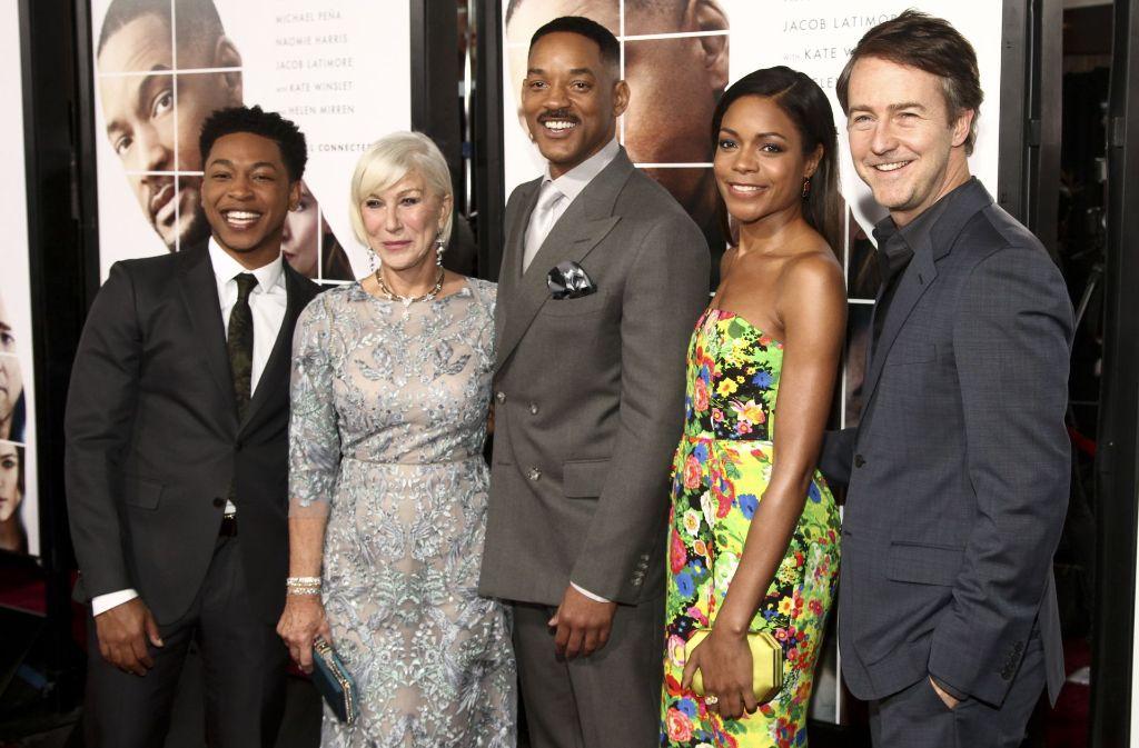 Wer strahlt am schönsten? Jacob Latimore, Helen Mirren, Will Smith, Naomie Harris und Edward Norton (von links) bei der Premiere in New York. Foto: