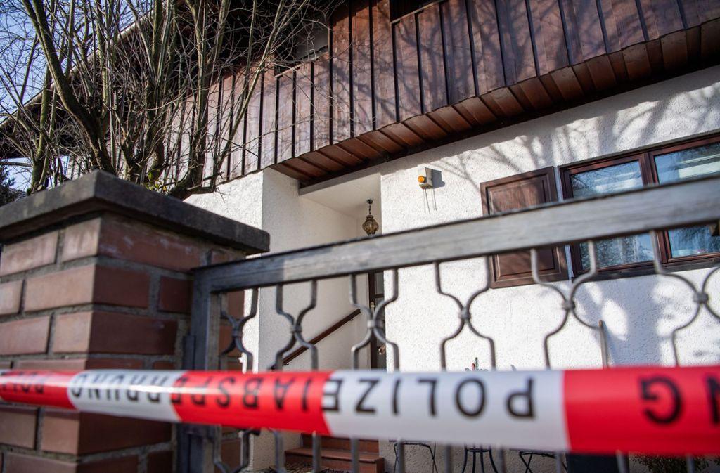 In einem Haus in Starnberg fand die Polizei drei Leichen. Foto: dpa/Lino Mirgeler