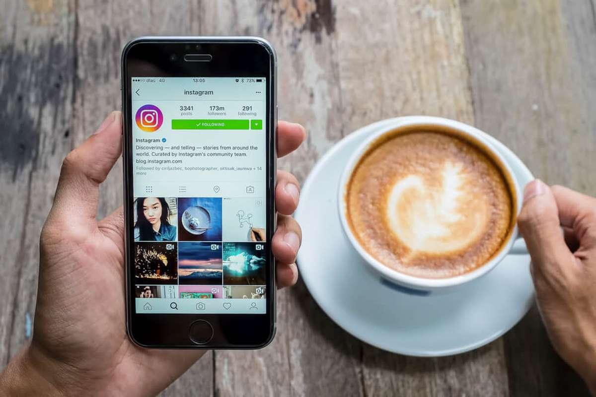 So vergrößern Sie das Profilbild auf Instagram. Foto: Jirapong Manustrong / shutterstock.com
