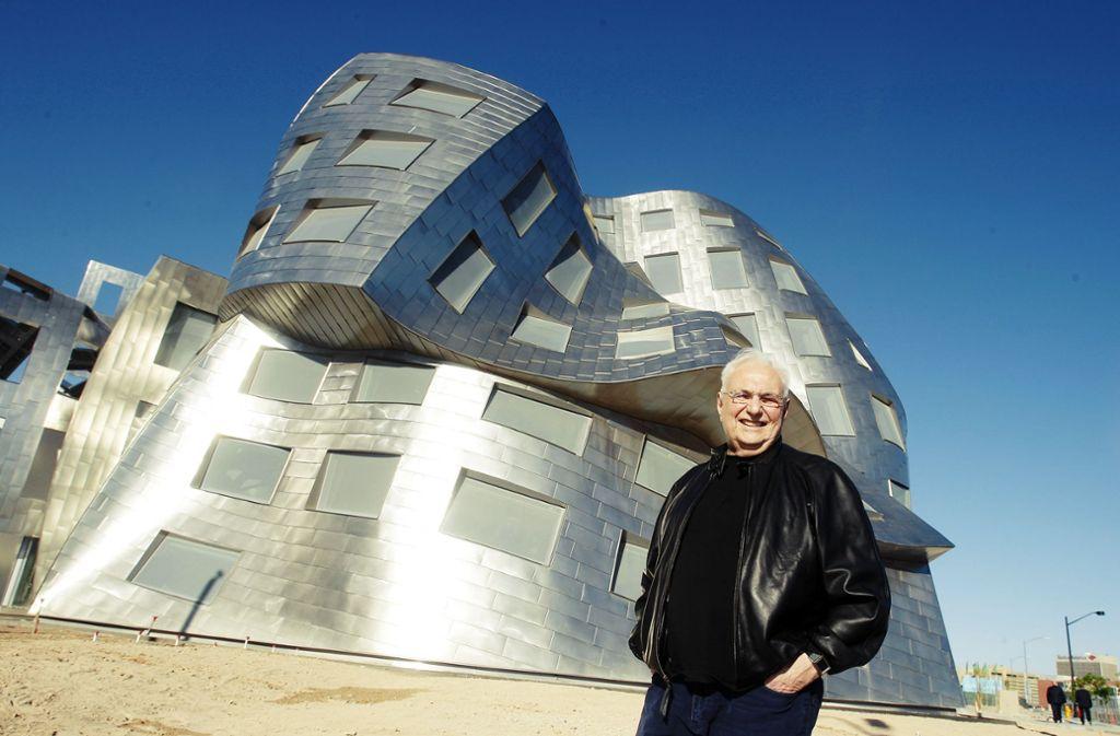 Frank O. Gehry vor dem Lou Ruvo Center in Las Vegas Foto: AP